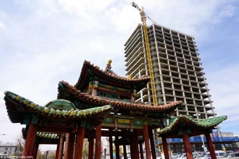 Mongolie, Oulan Bator, tour en construction
