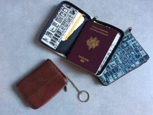Porte monnaie et passeport