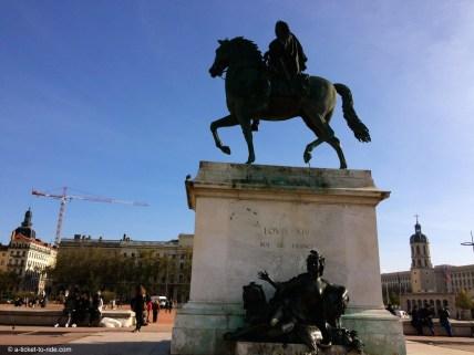 Lyon, place Bellecour, statue de Louis XIV