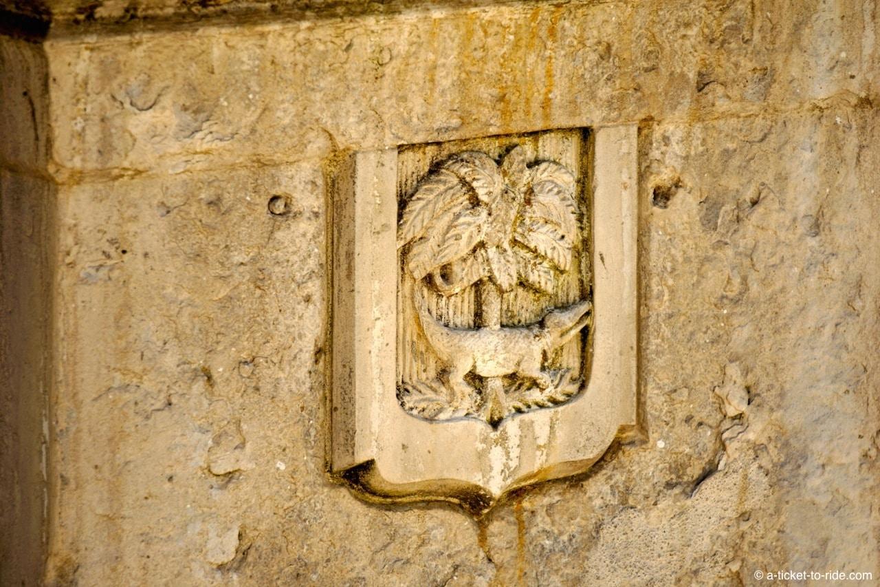 nimes-embleme