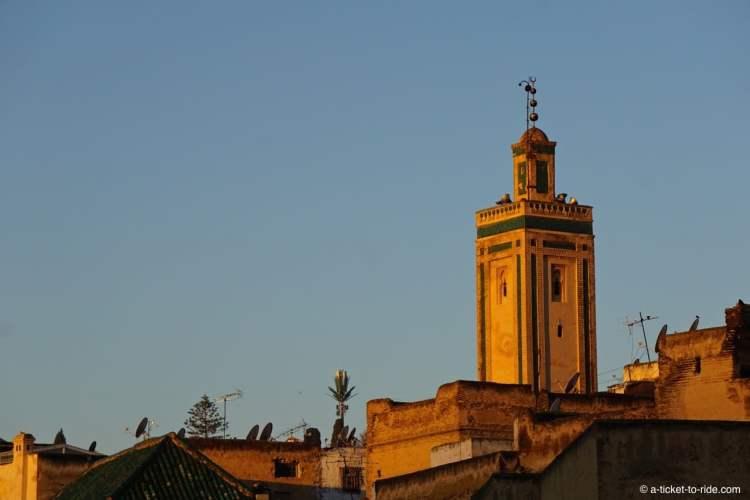 Fès, minaret au lever de soleil