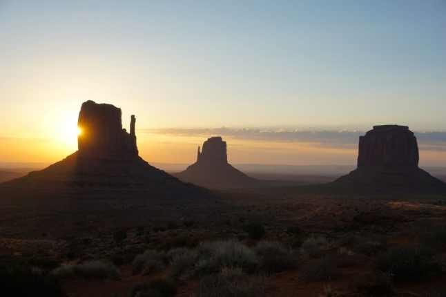 Monument valley, lever de soleil