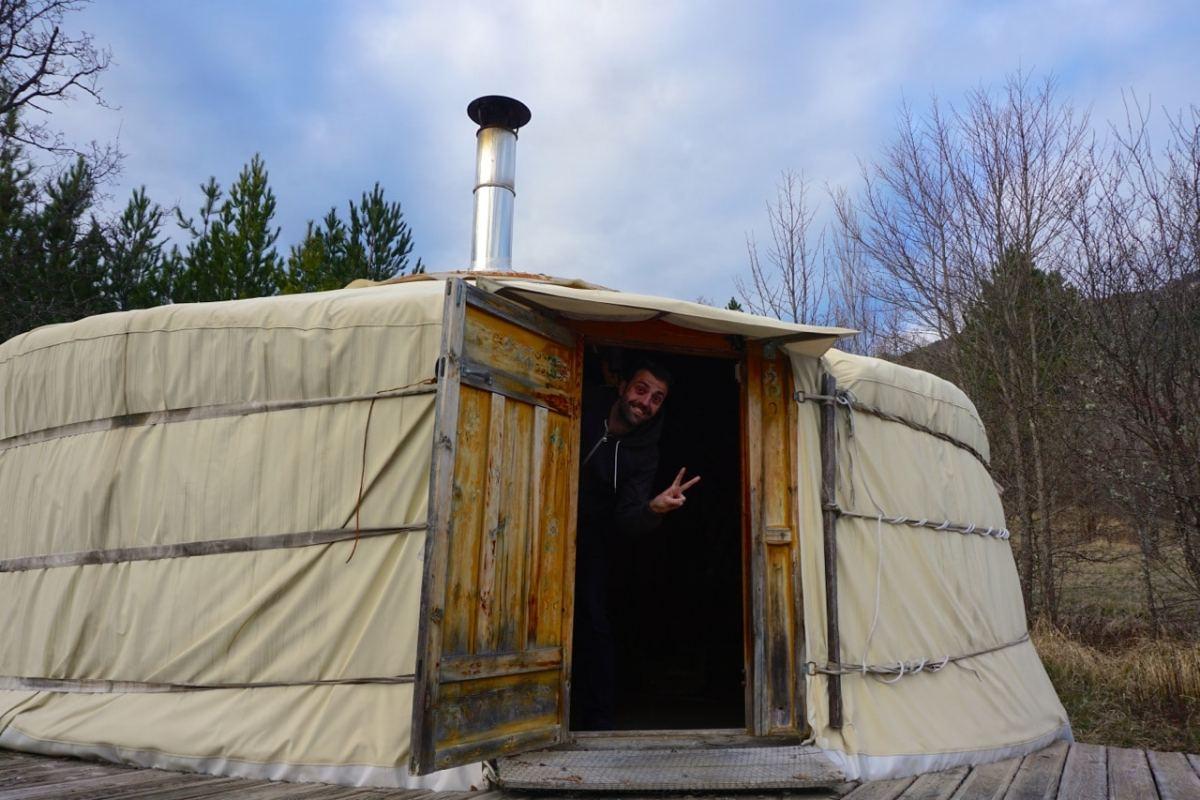 La Motte-Chalancon, yourte de l'Oasis Bellecombe, extérieur