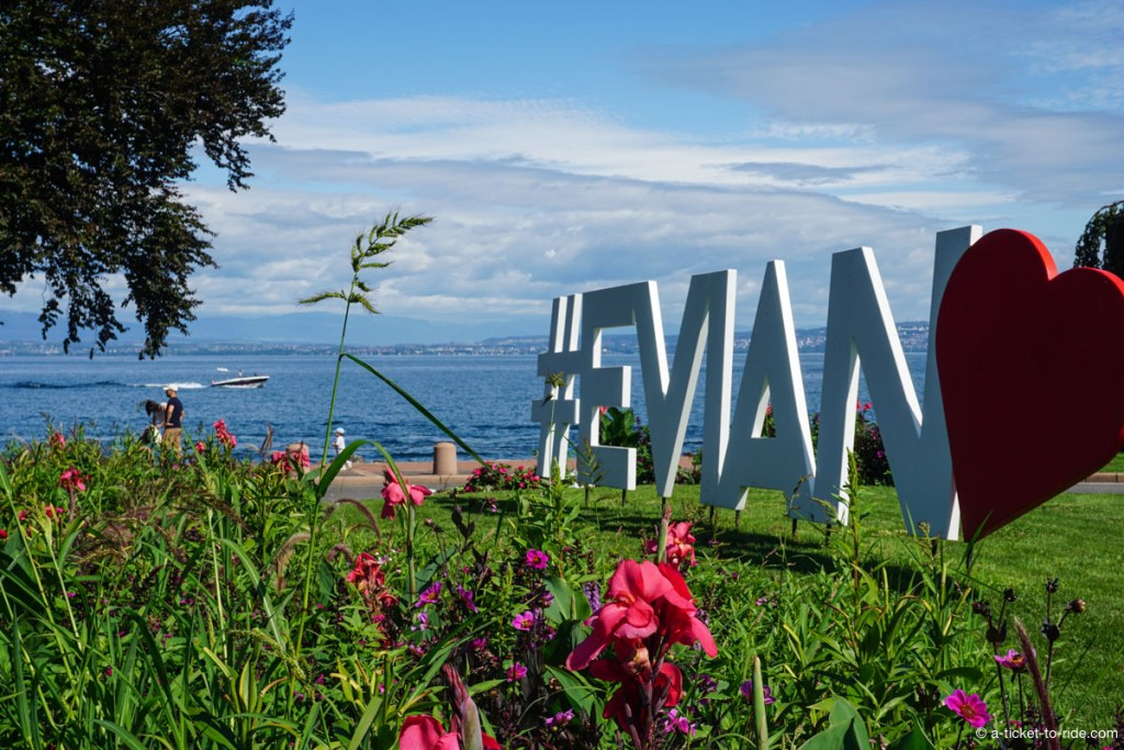 #Evian, sur les rives du lac Léman