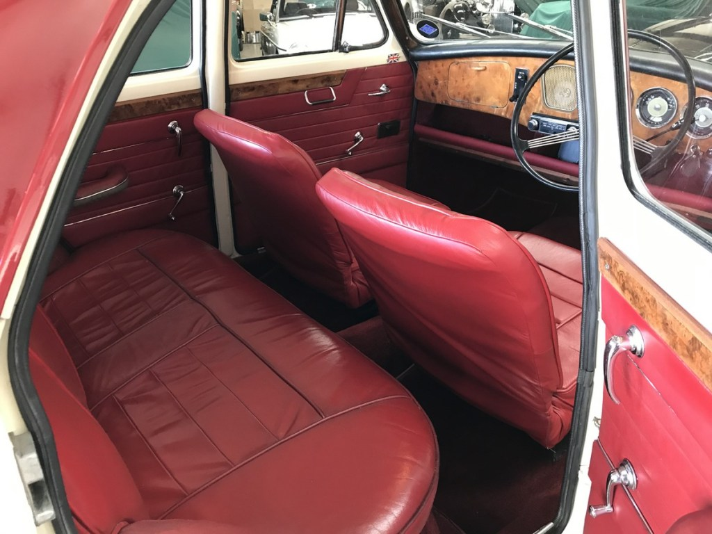 1961 Riley 1.5 with many sensible upgrades - Superb 4