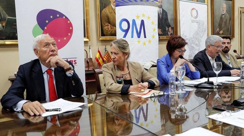 Los candidatos al Parlamento Europeo, de izqda a dcha, José Manuel García-Margallo (PPE-PP), Inmaculada Rodríguez (S&D-PSOE), Maite Pagazaurtundúa (ALDE-Ciudadanos) y Bruno Sánchez (VOLT Europa España) debaten sobre el Día de Europa. EFE/ Manuel Bruque.