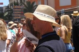 Un buen sombrero biene bien para disfrutar de la mascletà