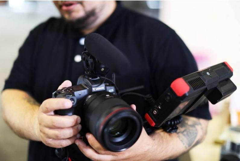 El embajador de Canon Nicolai Brix considera muy útil que la compacta cámara EOS R de fotograma completo de Canon pueda producir imágenes Canon Log de 10 bits, así como metraje de vídeo 4K.