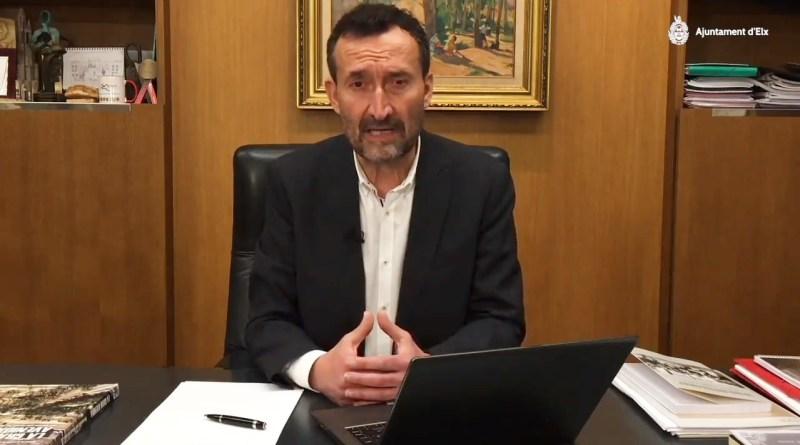 """Carlos González: """"Os pido fortaleza, ánimo y responsabilidad"""""""