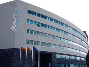 El Consell coloca barreras en todos los juzgados y destina más de 95.600 euros para distribuir mascarillas, guantes y gel hidroalcohólico