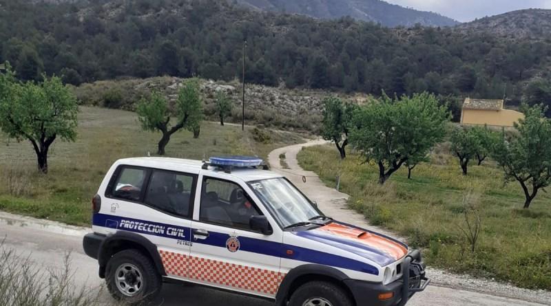 Protección Civil organiza un operativo especial para recorrer diariamente las partidas rurales de Petrer y poder ayudar a los vecinos que lo necesiten