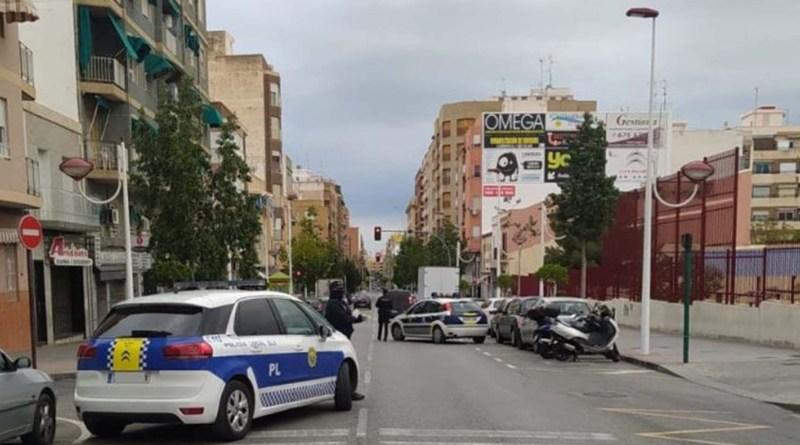 La Policía Municipal de Elche retira de la venta en farmacias cerca de 300 mascarillas no homologadas o sin registro
