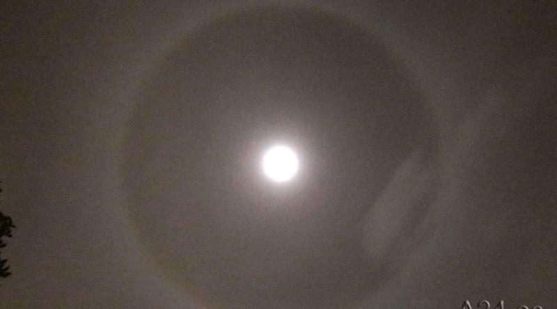 «Halo lunar» y «Efecto Linterna» de La Luna esta noche en los cielos de la provincia de Alicante