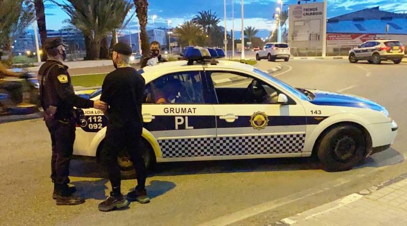 La Policía Local de Elche detiene a tres personas por tráfico de drogas en un control de seguridad