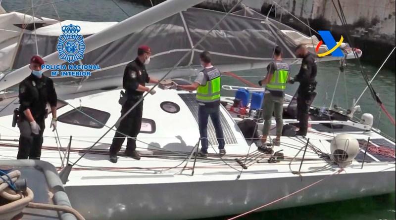 Intervenida una tonelada de cocaína oculta en un moderno velero abordado en medio del Atlántico