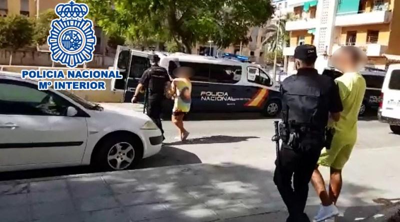 La Policía Nacional ha detenido en Alicante a siete personas y ha desmantelado dos puntos negros de venta de sustancias estupefacientes