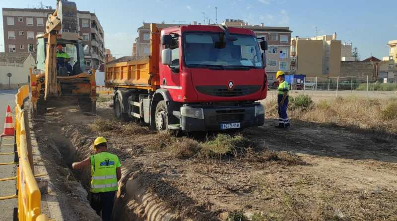 Arrancan los trabajos de ampliación de la red arterial de agua potable de Torrellano con una inversión de 230.000 euros