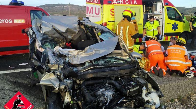 Accidente de tráfico por alcance entre varios vehículos y un herido grave en la A-31 a la altura de Villena