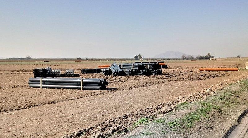 Conducciones para riego por goteo en Los Carrizales (S. Arroyo)