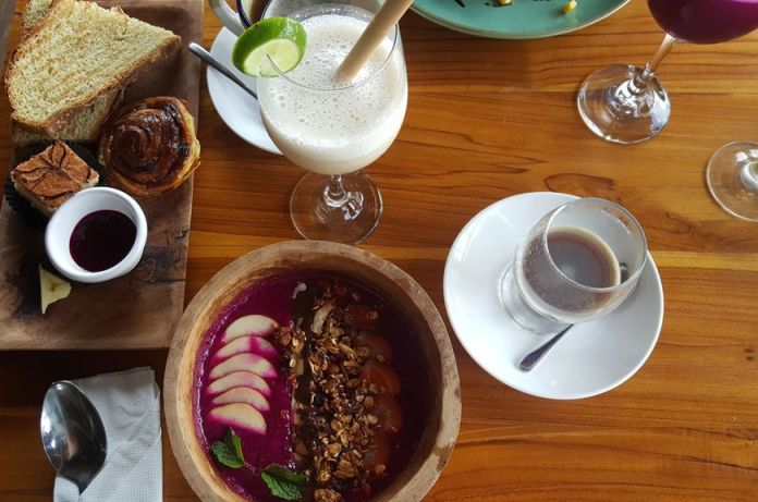 hotel-reve-ubud-B-Saya-Villas-breakfast