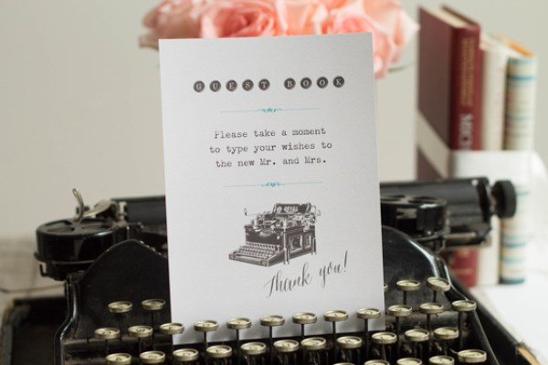 typpewriter-wedding-guestbook