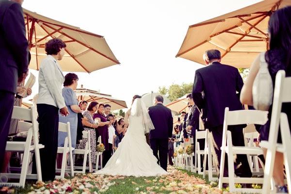 Summer wedding guests