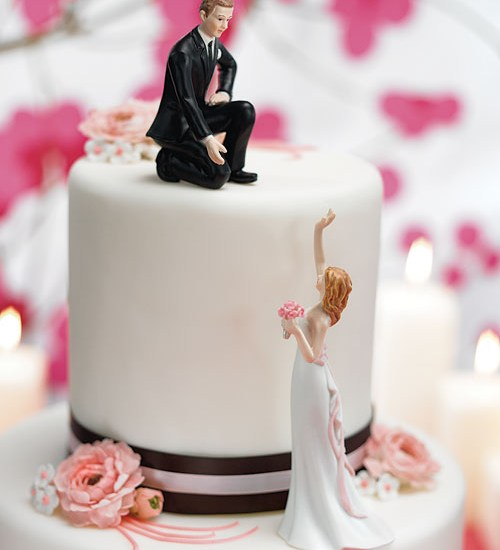 Black and White Wedding Cake-A2zWeddingCards