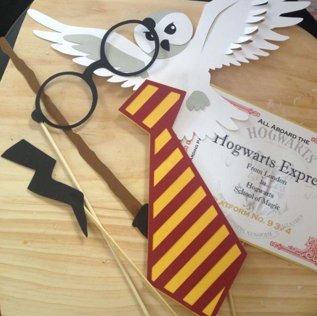 Photo Booth Prop - Harry Potter Theme Wedding Ideas