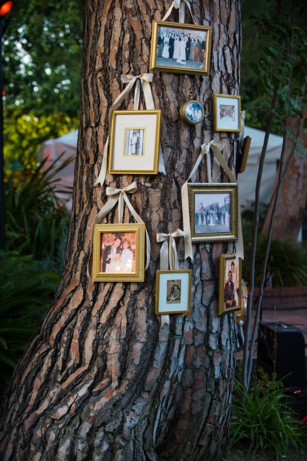 photo-frames-in-rustic-backyard-weddings-A2zWeddingCards