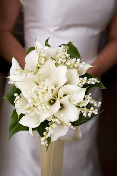 Bridal bouquet of white flowers - A2zWeddingCards