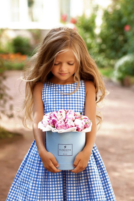Flower Girls in Checked Dress- A2zWeddingCards