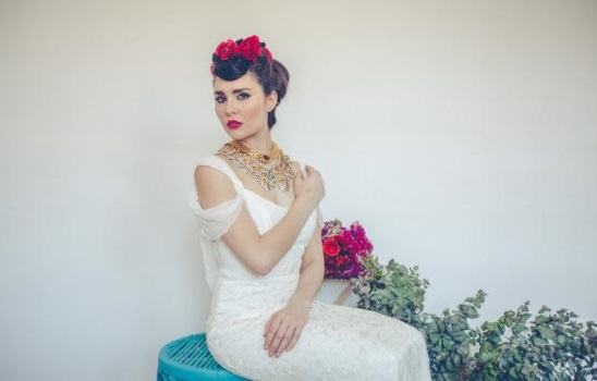 Spanish-Bridal-Hair-Updo-A2zWeddingCards