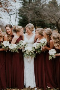 Stylish Yet Cozy Bridesmaid Dressing Ideas For Winter Wedding
