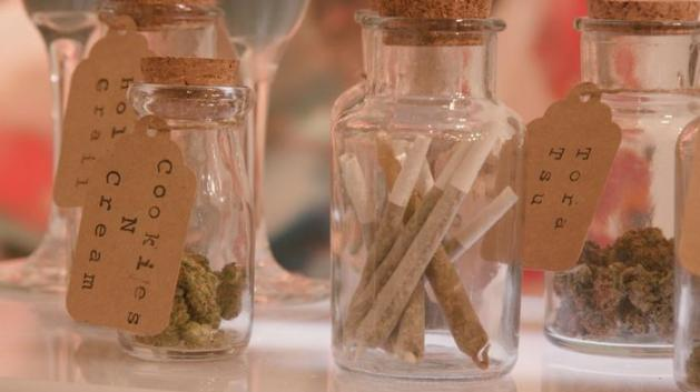 Weed-friendly wedding favours 2