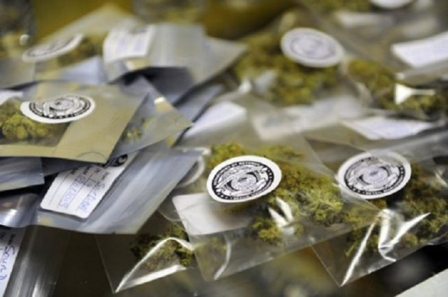 Weed-friendly wedding favours 3