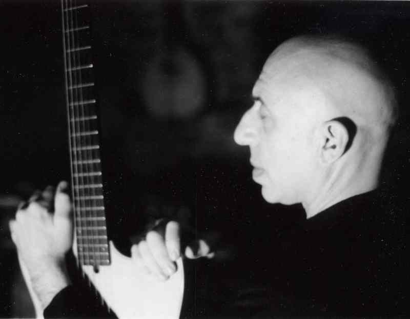 Elliott Sharp (Photo by Janene Higgins)