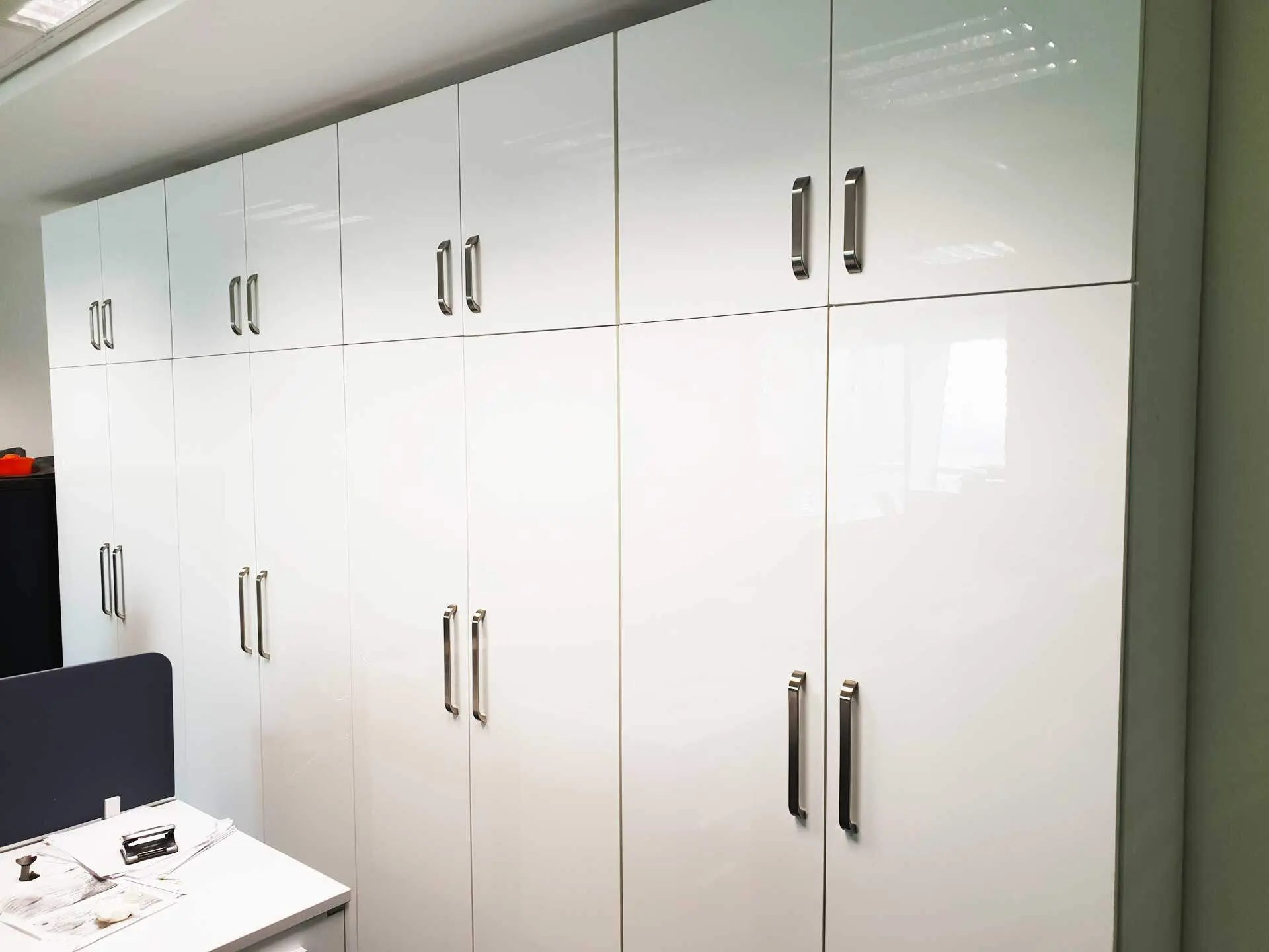 high-gloss-mdf-sheet-office-cabinet-maker-in-Dubai