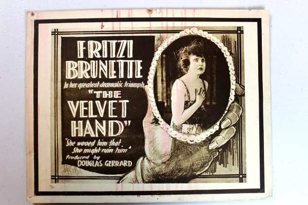 The Velvet Hand Universal Film Manufacturing Company 1918 Title Card