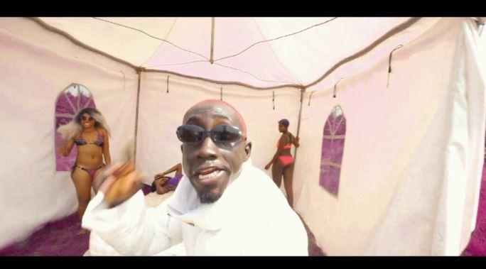 Kweku Smoke – Akata Ft. Bosom P-Yung (Official Video)