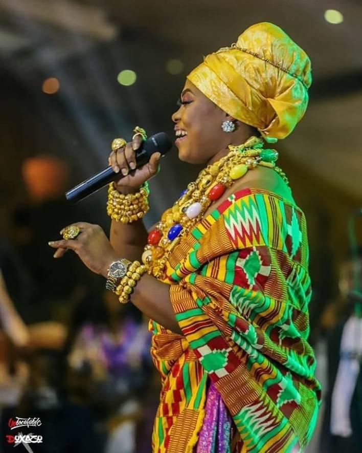 Joyce Blessing – Aye Ma (Running Over Medley)
