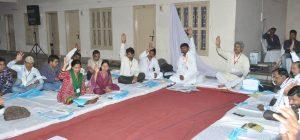 aadarshwaadi congress party meeting 7 april 2013 (8)