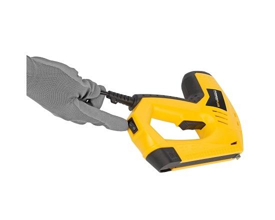 Søm og klammepistol i kuffert + 300 dele værktøj