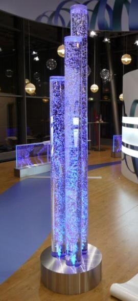 Wasserwnde aus Plexi Glas und Edelstahl Wasserwand