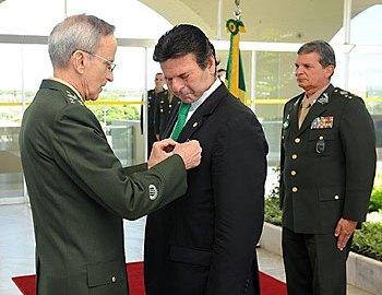 Luiz Fux é bom de 'downsizing' e já faz trabalho de duas pessoas: um cabo e um soldado. Foto: STF