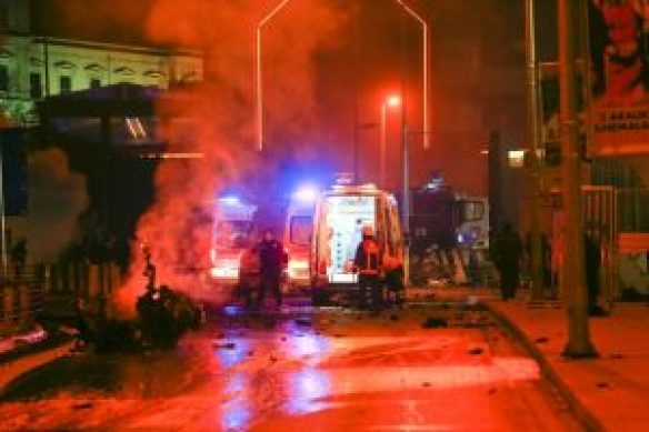 38 killed and 155 injured in two bomb blasts in turkey