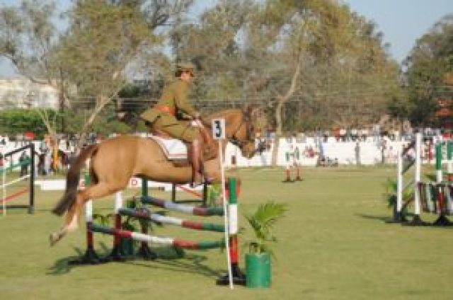 aligarh muslim university will conduct horse riding again