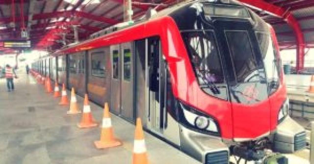 lucknow metro starts with various special facilities