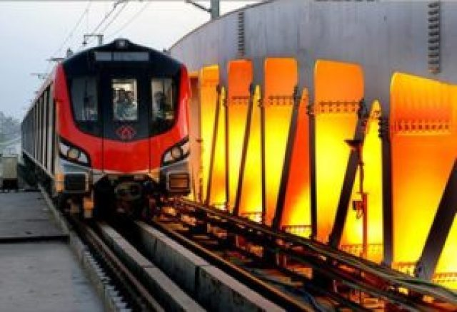 people spitting gutkha and pan masala in lucknow metro