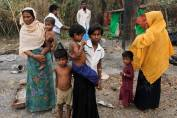 indian army is using chilli bomb to stop rohingya muslims from coming to india