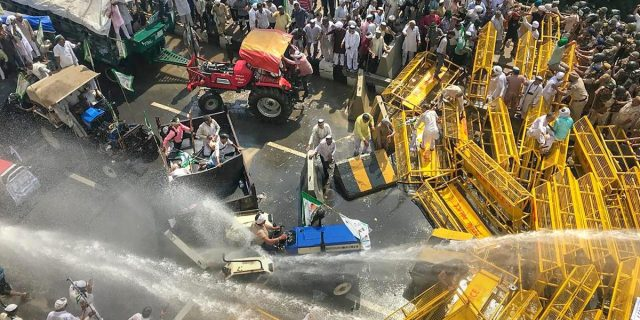 Image result for lathi charge on farmers in delhi